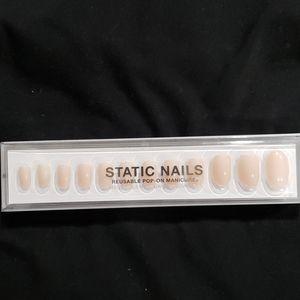 Static nails silk round